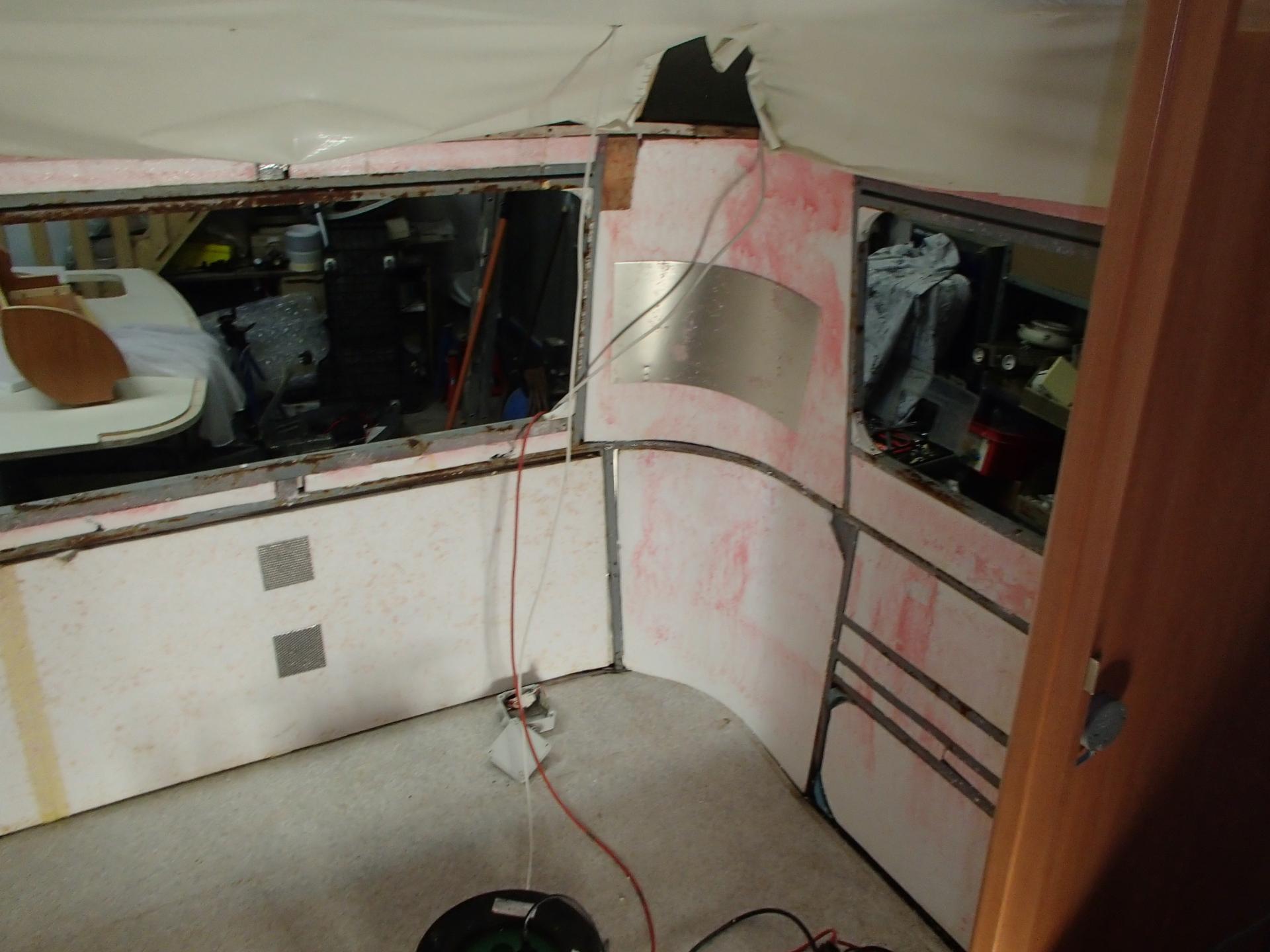reparation caravane et camping car etancheite carrosserie. Black Bedroom Furniture Sets. Home Design Ideas