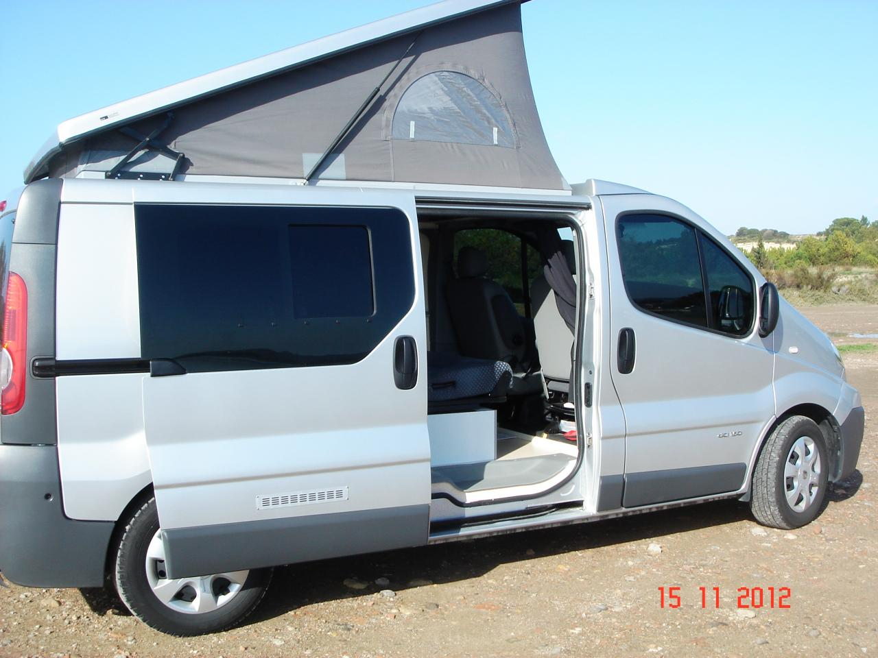 route occasion renault trafic camping car. Black Bedroom Furniture Sets. Home Design Ideas
